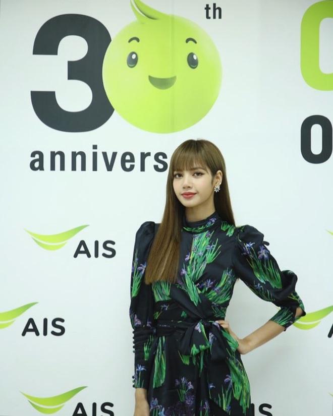 Lisa (BLACKPINK): Từ trainee uất ức, debut vẫn bị lừa 19 tỷ chỉ vì không phải người Hàn đến cú lột xác thành điều kỳ diệu của Kpop - ảnh 5