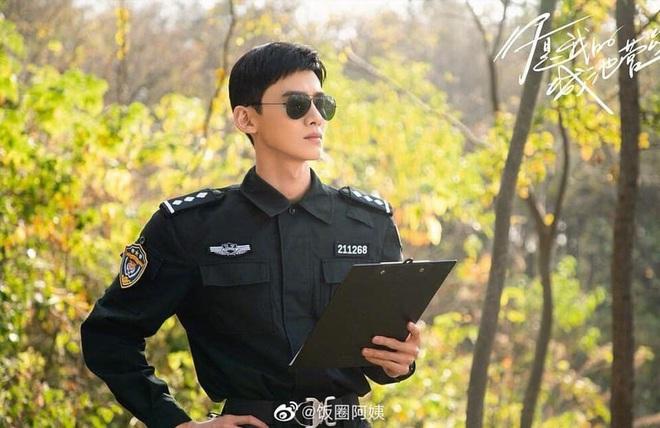 Netizen xuýt xoa trước 6 anh quân nhân điển trai Hoa Ngữ ở loạt phim sắp lên sóng: Hoàng Cảnh Du phù hợp nhất nhưng lại bị vướng phốt? - ảnh 4