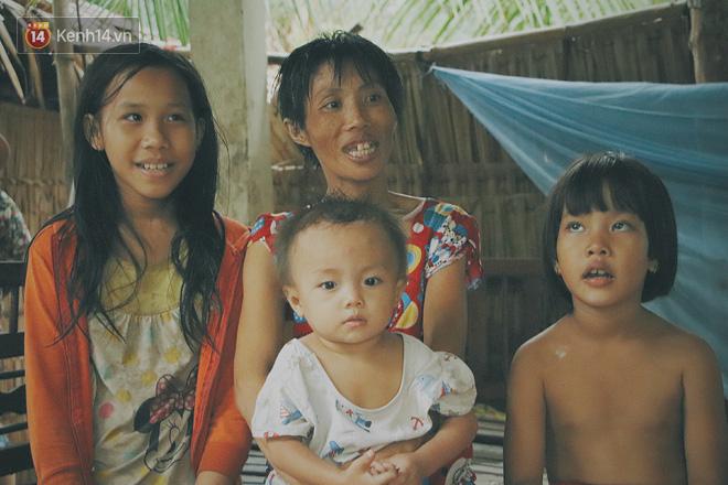 """5 đứa trẻ đói ăn bên người mẹ khờ mang bụng bầu 7 tháng: """"Con không muốn mẹ sinh em nữa, nhà con nghèo lắm rồi"""" - Ảnh 7."""