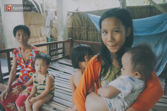 """5 đứa trẻ đói ăn bên người mẹ khờ mang bụng bầu 7 tháng: """"Con không muốn mẹ sinh em nữa, nhà con nghèo lắm rồi"""" - Ảnh 1."""