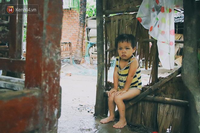 """5 đứa trẻ đói ăn bên người mẹ khờ mang bụng bầu 7 tháng: """"Con không muốn mẹ sinh em nữa, nhà con nghèo lắm rồi"""" - Ảnh 8."""