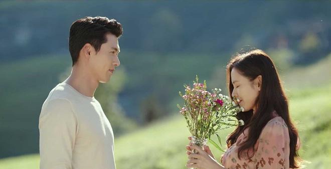 Đôi tình nhân Son Ye Jin và Hyun Bin sốt đậm ở Nhật Bản, Crash Landing on You được ví là Bản Tình Ca Mùa Đông thứ 2 - ảnh 2