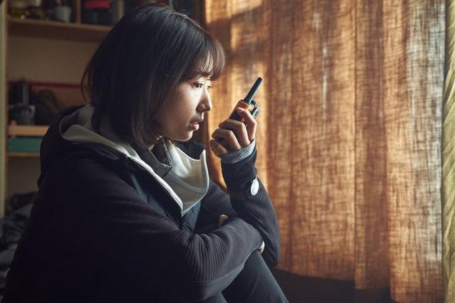 #ALIVE của Yoo Ah In - Park Shin Hye oanh tạc phòng vé Hàn, netizen Việt háo hức đòi được xem - ảnh 8
