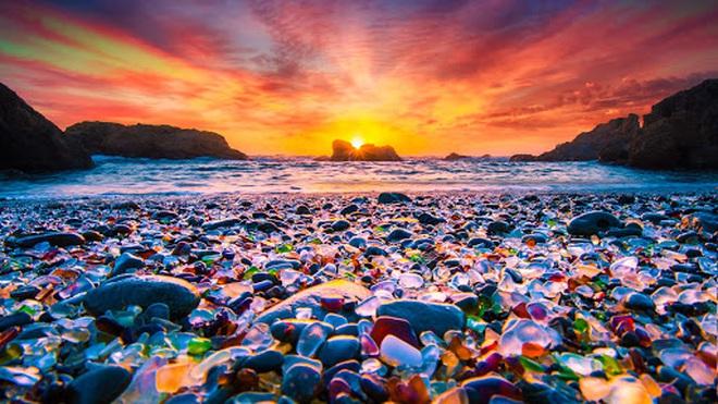 Không tin vào mắt mình trước 15 bãi biển độc nhất hành tinh, nơi nào cũng sở hữu vẻ đẹp ngỡ chỉ có trong trí tưởng tượng - Ảnh 3.
