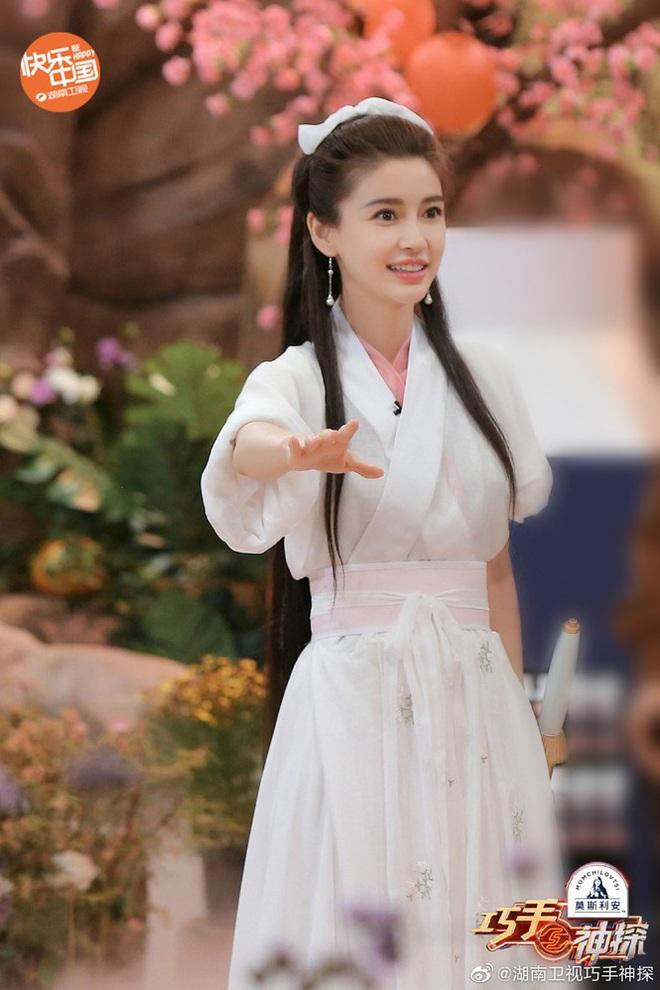 Bất ngờ cosplay Tiểu Long Nữ, Angela Baby bị so sánh với Lưu Diệc Phi nhưng động thái của Vu Chính mới đáng bàn - ảnh 6