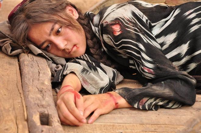 Loạt vai diễn đầu đời siêu cưng của 6 tiểu Hoa đình đám: Liệu ai còn nhớ Lưu Diệc Phi hồn nhiên tuổi trăng tròn? - ảnh 20
