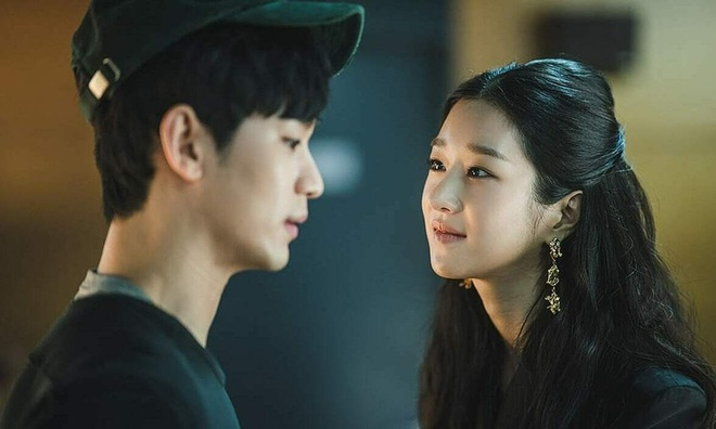 4 chị đại phim Hàn mê trai rớt liêm sỉ: Nhà văn Seo Ye Jin và quái nữ Kim Yoo Jung đang tranh nhau hạng nhất - ảnh 4