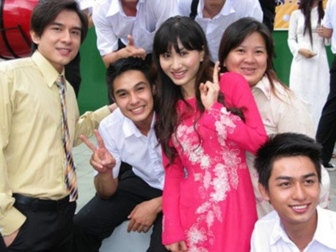 4 thầy giáo soái ca nức nở màn ảnh Việt: Thấy mê nhất đích thị là Thanh Sơn của Đừng Bắt Em Phải Quên - Ảnh 9.