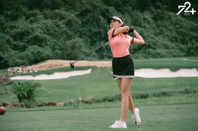 Không hẹn mà gặp hội mỹ nhân Việt đều check-in ở sân golf: 1 buổi chơi golf có lợi ích bằng 1 tuần tập thể dục nên bảo sao không mê cho được - ảnh 9
