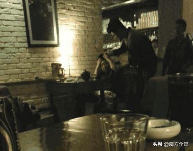 Loạt scandal choảng nhau chấn động Cbiz: Triệu Vy bạo lực, Trần Quán Hy bị đánh bất tỉnh nhân sự nhưng chưa bằng vụ cuối - ảnh 7