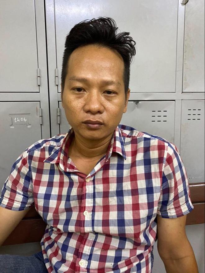 Thấy vợ hờ đi với nhân tình, người đàn ông dùng dao đâm tình địch trọng thương ở trung tâm Sài Gòn - ảnh 1