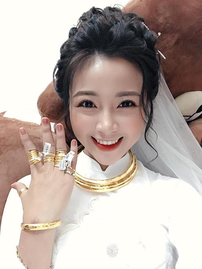 Hội cầu thủ 24, 25 tuổi kết hôn khéo chọn vợ: Không phải ái nữ cựu chủ tịch thì cũng là rich kid du học làm cho công ty gia đình - ảnh 10