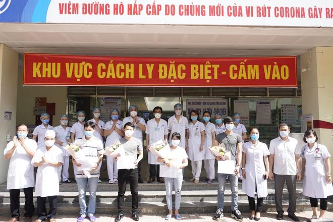 Thêm 4 bệnh nhân Covid-19 được công bố khỏi bệnh, Việt Nam chỉ còn điều trị 26 ca bệnh - ảnh 1