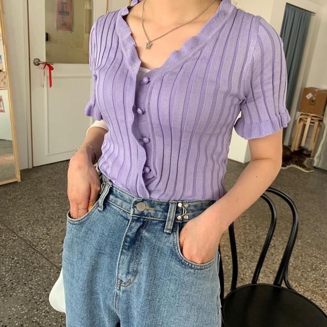 5 kiểu mix đồ giúp bạn có phong cách thập niên 90 sành điệu giống Jennie, Lisa, diện theo thì style chỉ có sang xịn trở lên - ảnh 17