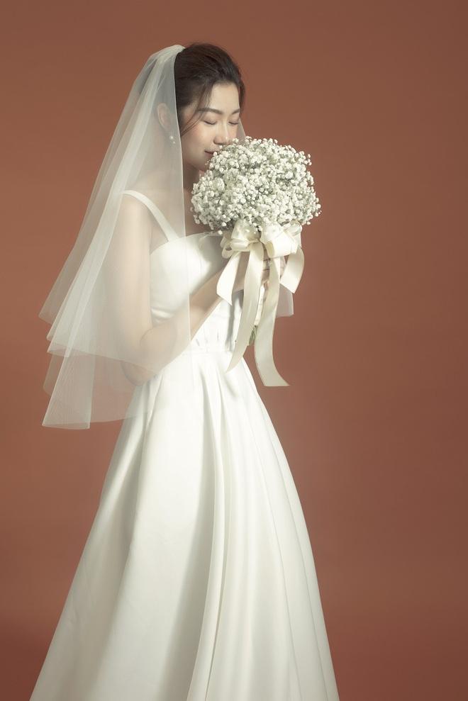 Thuý Vân đẹp nền nã, diện váy cưới đầy sang trọng: Nhìn nụ cười là biết đang hạnh phúc thế nào! - ảnh 6