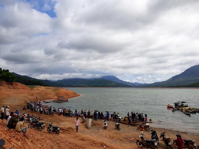 Nam sinh lớp 9 chết đuối ở lòng hồ thủy điện - ảnh 1