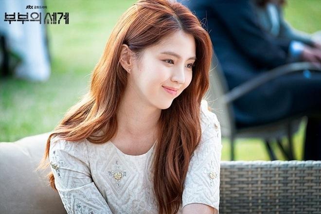 Thét ra lửa suốt cả tháng trời cùng Thế Giới Hôn Nhân, bà cả Kim Hee Ae trở thành diễn viên được săn đón nhất tháng 5 - ảnh 2