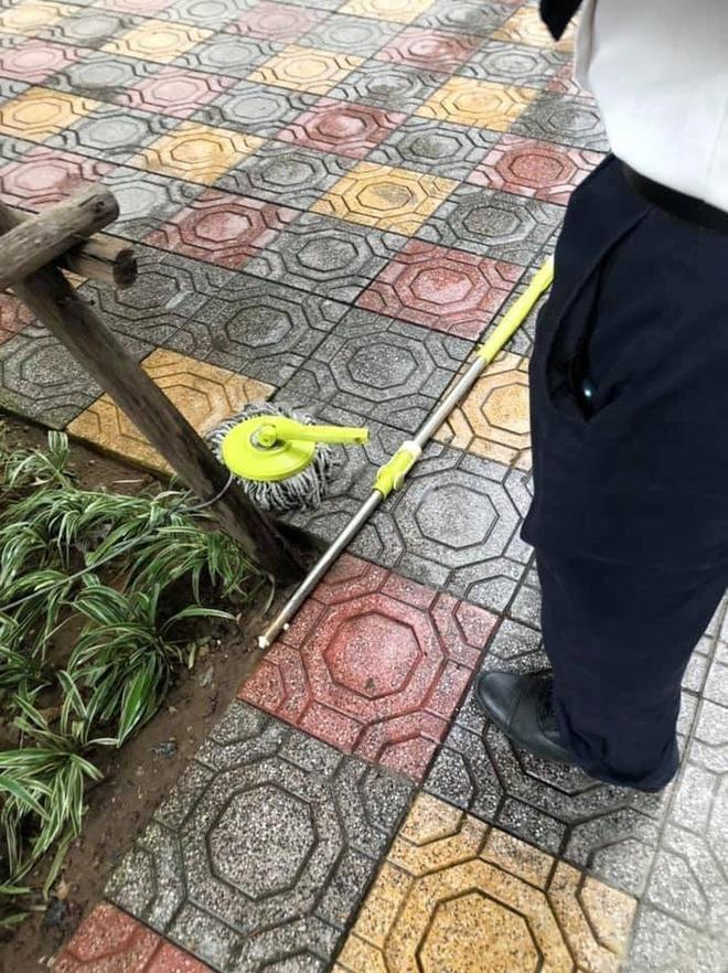 Hà Nội: Chổi lau nhà rơi từ tầng 5 chung cư cao cấp khiến bé trai vỡ đầu phải nhập viện - ảnh 3