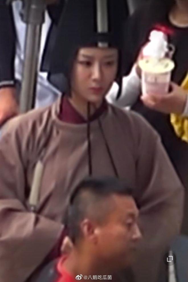 Hậu ồn ào tranh vai với Ngô Diệc Phàm, Dương Tử vui vẻ trở lại phim trường Thanh Trâm Hành - ảnh 5