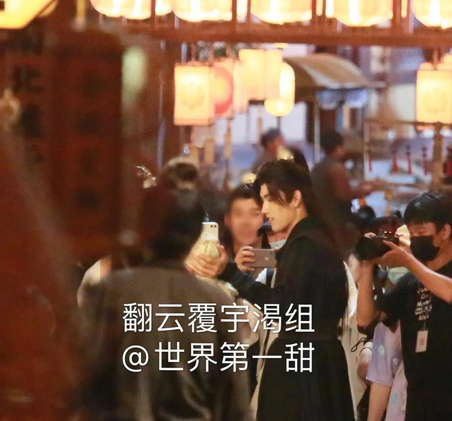 La Vân Hi và Trần Phi Vũ siêu tình tứ tại loạt ảnh ba ngọn nến lung linh ở hậu trường phim đam mỹ - ảnh 8