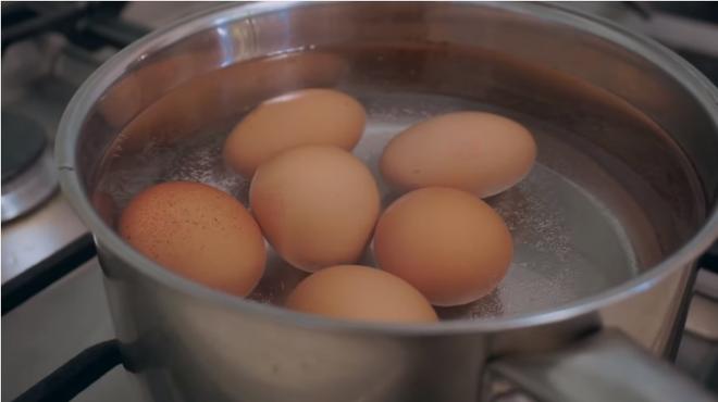 Áp dụng chế độ ăn kiêng với trứng, cô nàng vlogger xứ Hàn giảm 1.6kg chỉ sau 3 ngày - ảnh 9