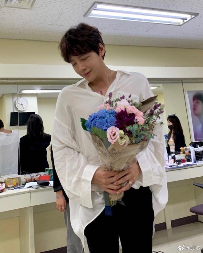 Màn giảm cân gây choáng của Jang Geun Suk khiến Cnet nức nở: Hoàng tử châu Á comeback quá xuất sắc! - ảnh 4