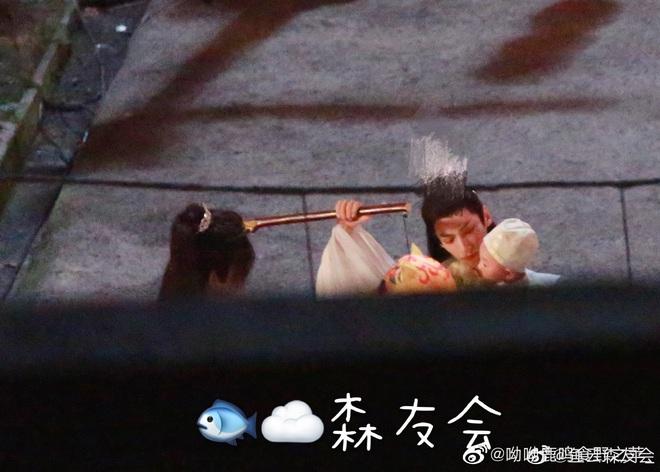 La Vân Hi và Trần Phi Vũ siêu tình tứ tại loạt ảnh ba ngọn nến lung linh ở hậu trường phim đam mỹ - ảnh 3
