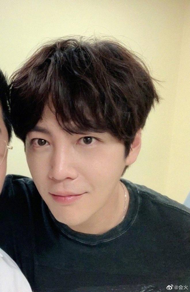 Màn giảm cân gây choáng của Jang Geun Suk khiến Cnet nức nở: Hoàng tử châu Á comeback quá xuất sắc! - ảnh 2