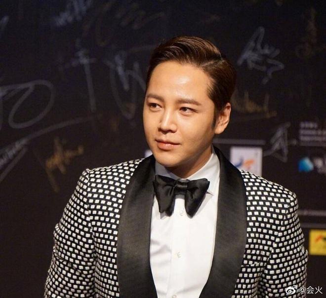 Màn giảm cân gây choáng của Jang Geun Suk khiến Cnet nức nở: Hoàng tử châu Á comeback quá xuất sắc! - ảnh 12