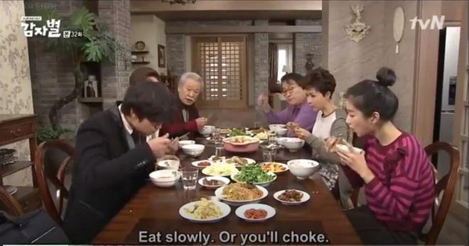 60 năm sự nghiệp diễn xuất của ông nội quốc dân Lee Soon Jae: Scandal toàn hạng nặng từ tham gia dị giáo đến bóc lột trợ lý - ảnh 6