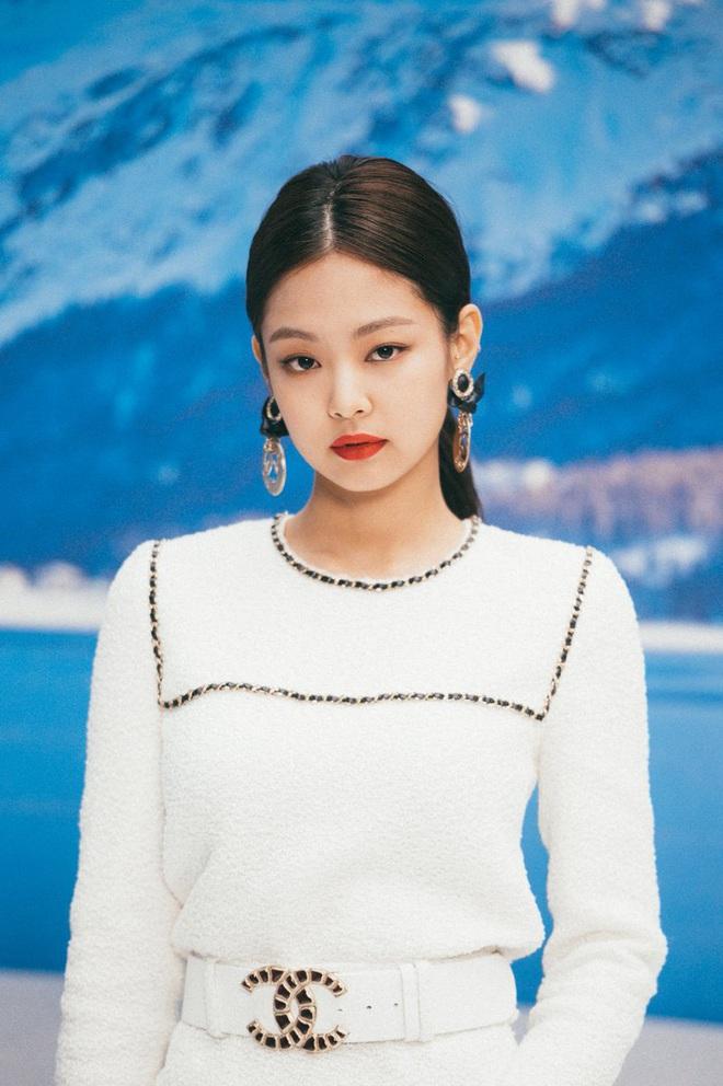 Chẳng có chân dài miên man nhưng Jennie vẫn diện đồ ăn đứt model chuyên nghiệp, công lao lớn thuộc về stylist - ảnh 1