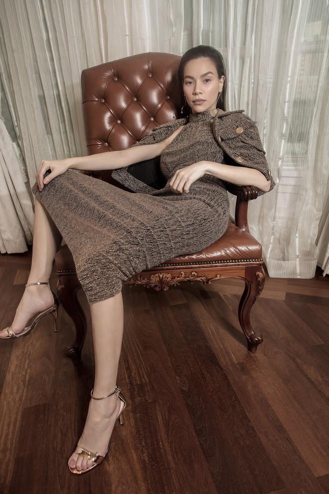 """Được thực hiện khi mới có """"tin vui"""", bộ ảnh Hà Hồ - Thanh Hằng trong trang phục Công Trí lên hẳn Vogue - Ảnh 6."""
