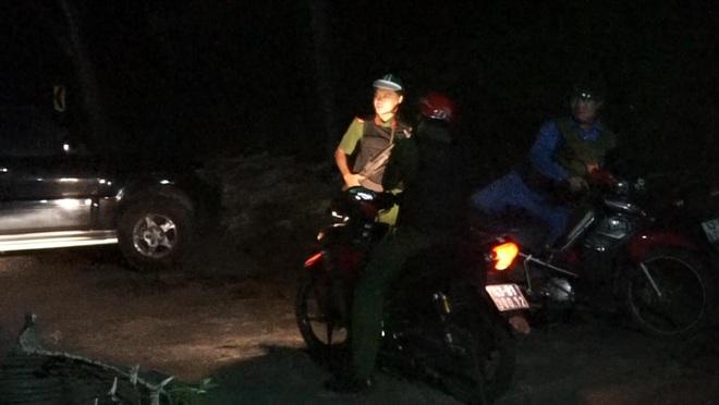 Hàng trăm chiến sỹ cùng chó nghiệp vụ xuyên đêm truy bắt tên sát nhân vượt ngục đang trốn trên đèo Hải Vân - ảnh 13
