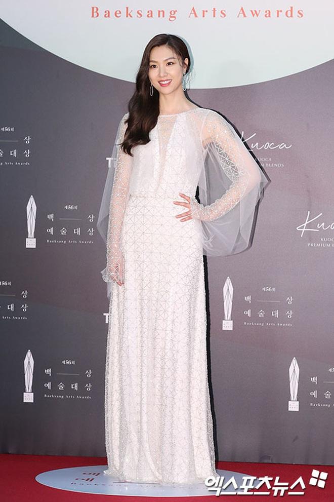 Ác nữ Itaewon Kwon Nara đứng đầu bảng tổng sắp mặc xấu tại Baeksang 2020, kế đến còn có cả loạt mỹ nhân đình đám khác - ảnh 7