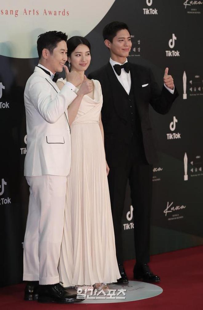 Ác nữ Itaewon Kwon Nara đứng đầu bảng tổng sắp mặc xấu tại Baeksang 2020, kế đến còn có cả loạt mỹ nhân đình đám khác - ảnh 4