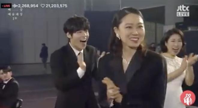 Toàn cảnh Baeksang 2020 hạng mục truyền hình: Hyun Bin - Son Ye Jin hụt hết giải bự, sốc nhất là quả phim hay nhất - ảnh 1