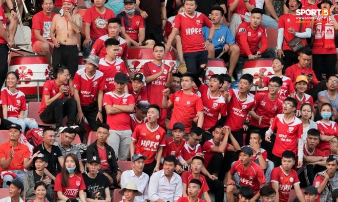 Hãng tin nổi tiếng toàn cầu khen ngợi: Bóng đá Việt Nam khác biệt so với phần còn lại của thế giới - ảnh 3