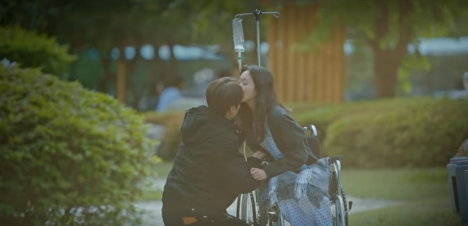 Thính xịn hơn cả hôn cổ, Lee Min Ho quấn chặt Kim Go Eun không rời ở tập 15 Quân Vương Bất Diệt - ảnh 5