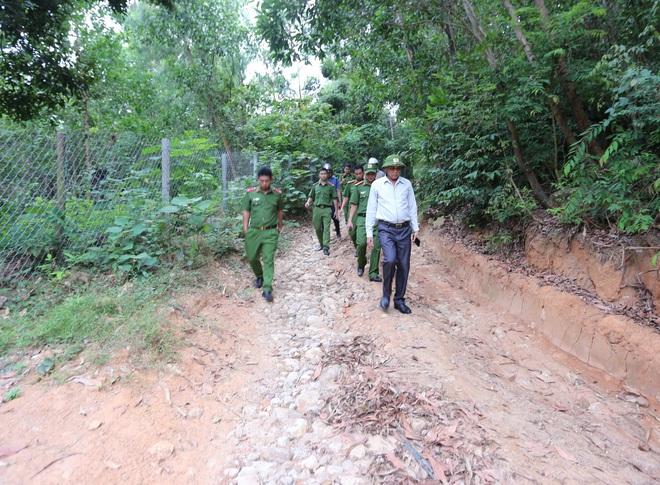 Vụ phạm nhân đặc biệt nguy hiểm 2 lần vượt ngục ở Đà Nẵng: Công an chuyển sang phương án đánh chìm - ảnh 4