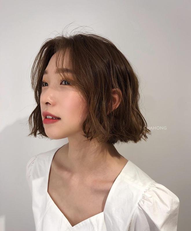 6 kiểu tóc ngắn giúp mặt nhỏ gọn như tiêm botox, các hairstylist Hàn khuyên bạn năm nay nên thử một lần - ảnh 13
