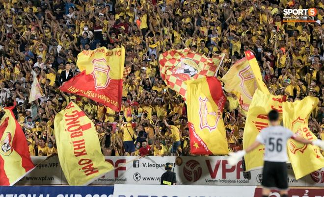 Hãng tin nổi tiếng toàn cầu khen ngợi: Bóng đá Việt Nam khác biệt so với phần còn lại của thế giới - ảnh 1