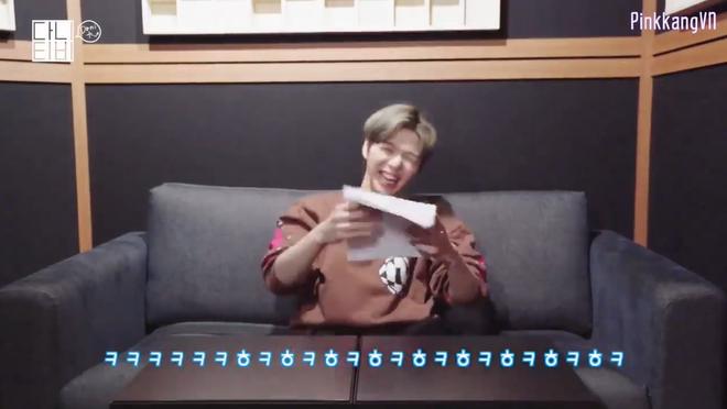 CEO Kang Daniel cười tít cả mắt dù bị nhân viên công ty phũ: Đến giờ vẫn không thích bài hát nào của cậu ấy - ảnh 5