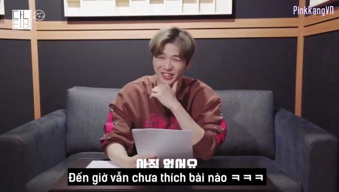 CEO Kang Daniel cười tít cả mắt dù bị nhân viên công ty phũ: Đến giờ vẫn không thích bài hát nào của cậu ấy - ảnh 4