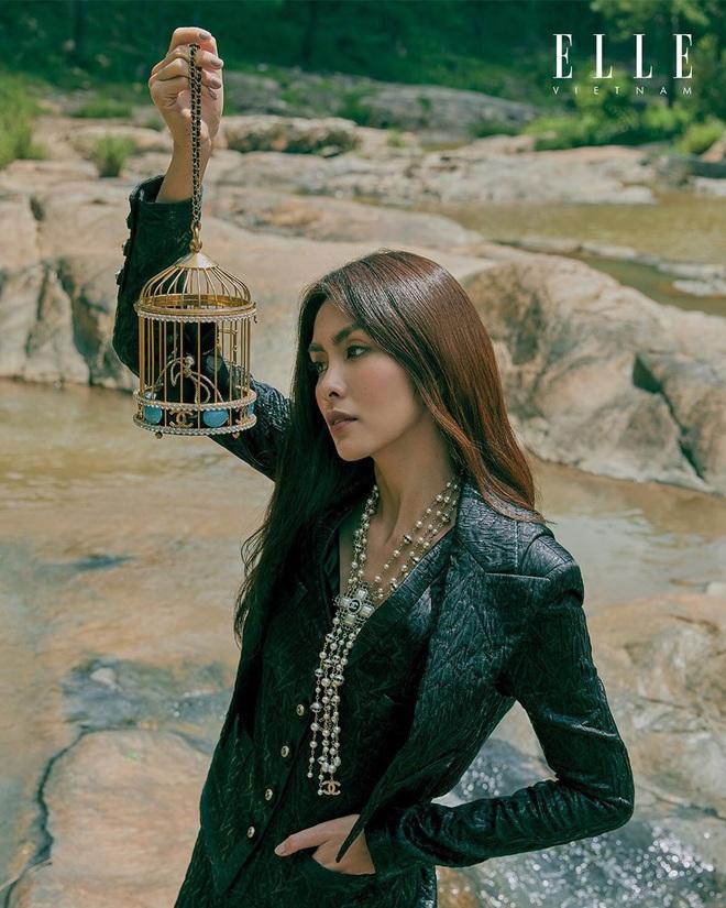 Hé lộ clip hậu trường bộ ảnh tạp chí đang gây bão của Hà Tăng, liệu có như Tiên Nguyễn ca ngợi? - ảnh 4