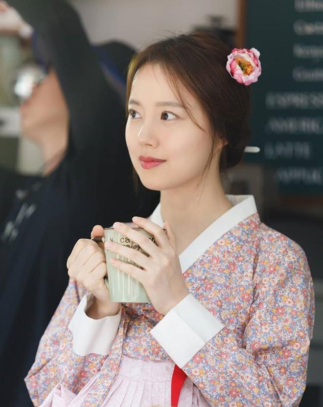 Khi sao nữ Hàn bị thời gian bỏ quên: Mợ chảnh và Song Hye Kyo lên hương, trùm cuối đích thị là Goo Hye Sun - Son Ye Jin - ảnh 22