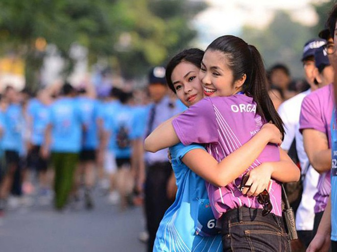 Hà Tăng xinh đẹp ngút ngàn trên bìa tạp chí, Tiên Nguyễn có ngay động thái gây chú ý vì quá mê nhan sắc chị dâu - Ảnh 6.