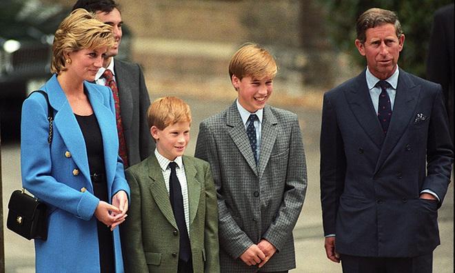 Hé lộ cuộc gọi cuối cùng với con trai của Công nương Diana trước khi ra đi, điều khiến hai vị Hoàng tử nuối tiếc suốt cuộc đời - ảnh 3