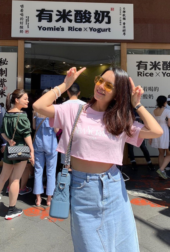 Nhìn các sao Việt diện lại đồ cũ siêu xinh, bạn sẽ học được bao cách mix&match và không cần mua thêm áo quần cho tốn tiền - ảnh 16
