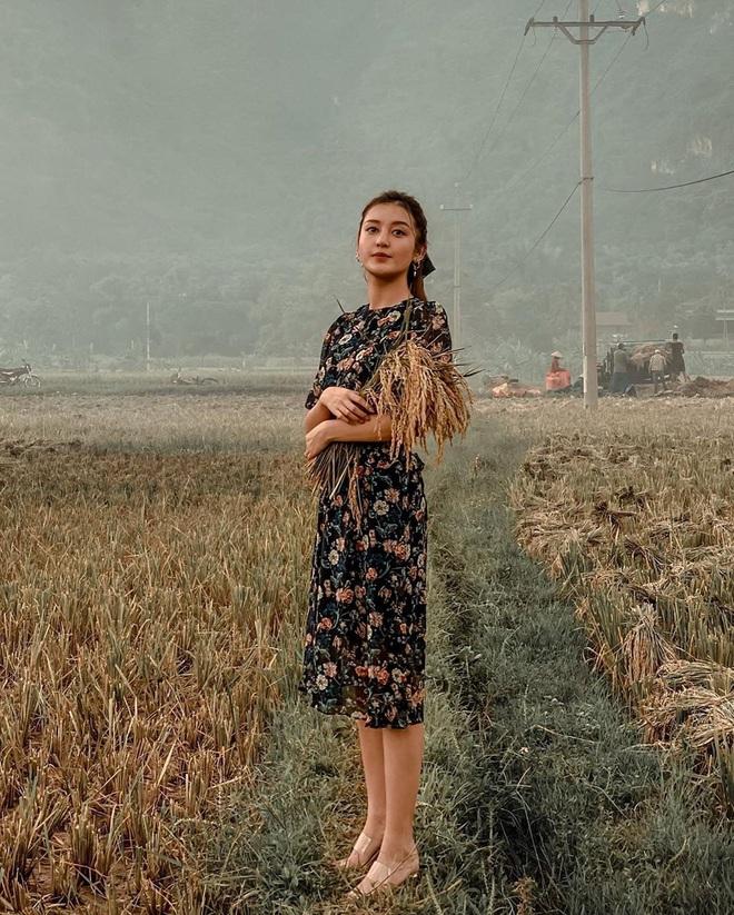 Nhìn các sao Việt diện lại đồ cũ siêu xinh, bạn sẽ học được bao cách mix&match và không cần mua thêm áo quần cho tốn tiền - ảnh 8