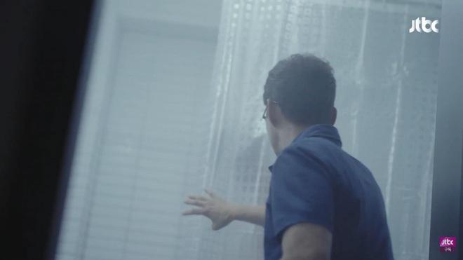 Phim 19+ Hội Bạn Cực Phẩm mở màn gây sốc: Kẻ ác tàn độc giết người loã thể trong nhà tắm, sát nhân lộ diện luôn và ngay? - ảnh 5